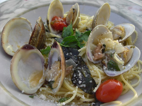 Angel Hair Pasta with White Clam Sauce and Cherry Tomatoes