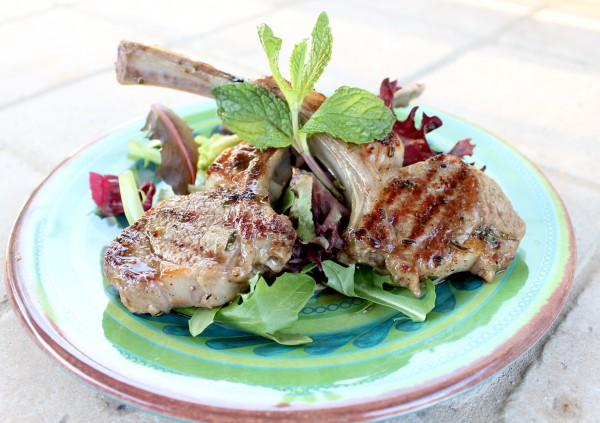 Marinated Grilled Lamb Chops with Mint Yogurt Sauce