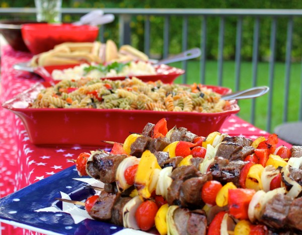 Party-Ideas-4th-Fourth-of-July-Pool- Party-BBQ