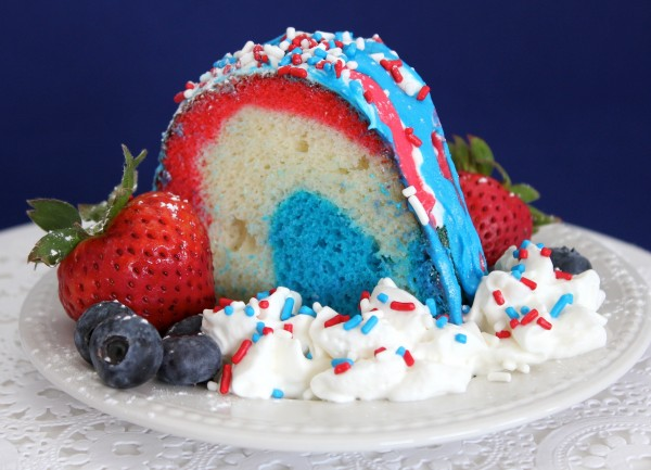 firecracker-bundt-cake-red-white-and-blue-dessert-2
