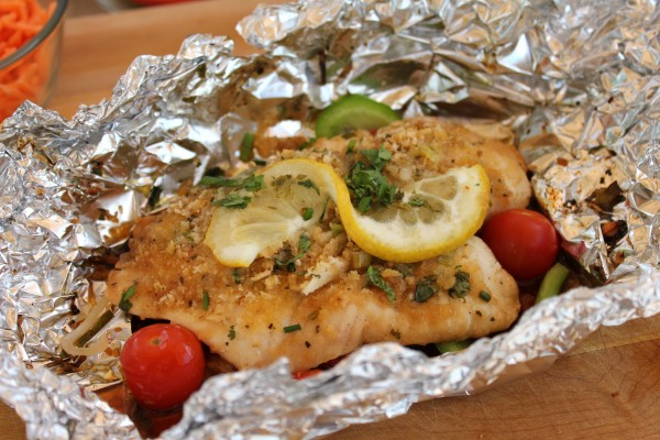 Healthy recipe for grilled fish in foil on the bbq grill for Healthy fish recipes