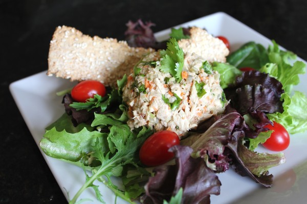 Healthy Garden Tuna Salad with Balsamic Vinegar