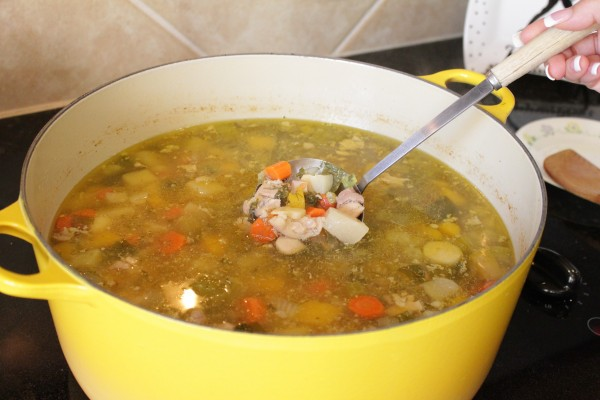 Chicken-Vegetable-Soup-Recipe-Winter-Comfort-Foods-for-Weight-Loss