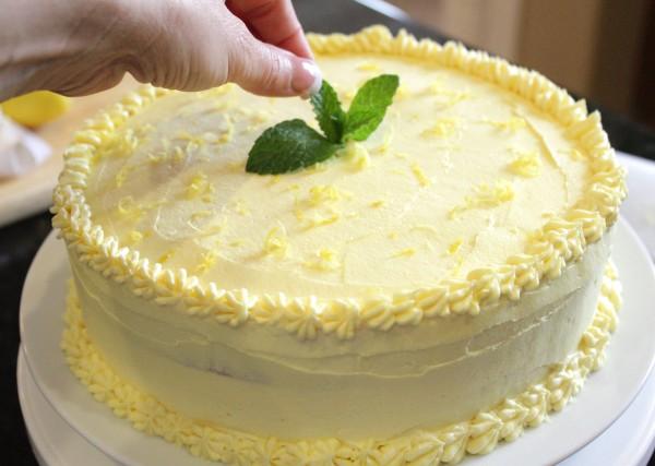 Lemonade_Cake 4
