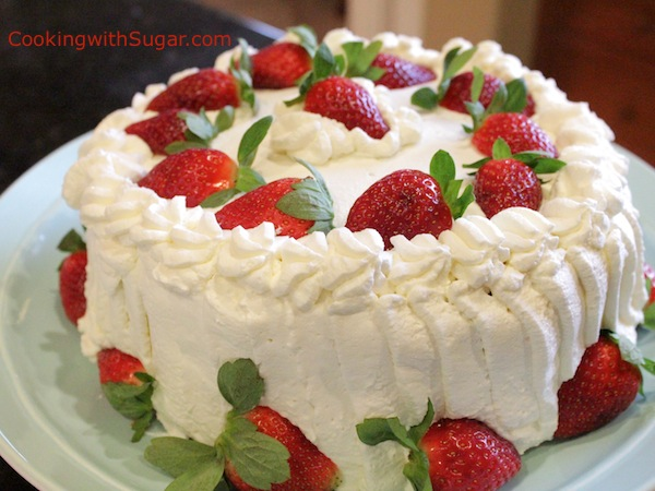 Delicious-Beautiful-Strawberry-Whipped-Cream-Short-Birthday-Cake-Dessert-Idea