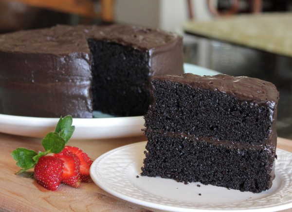 "Post image for Homemade Delicious ""Especially Dark"" Chocolate Cake – The Best Cake Recipe from Hershey's"