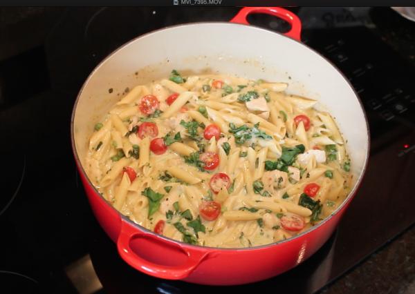 Easy-One-Pot-Easy-Pasta-Chicken-Alfredo-Primavera-Dinner-Recipe-7