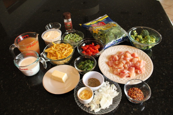 Easy-One-Pot-Easy-Pasta-Chicken-Alfredo-Primavera-Dinner-Recipe